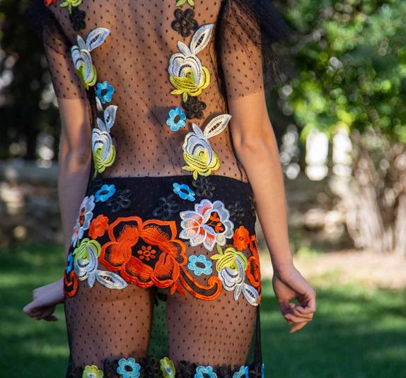 Foto 3 abito in tulle con applicazione di fiori