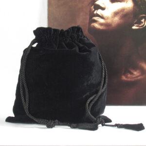 Borsa a secchiello in velluto di seta