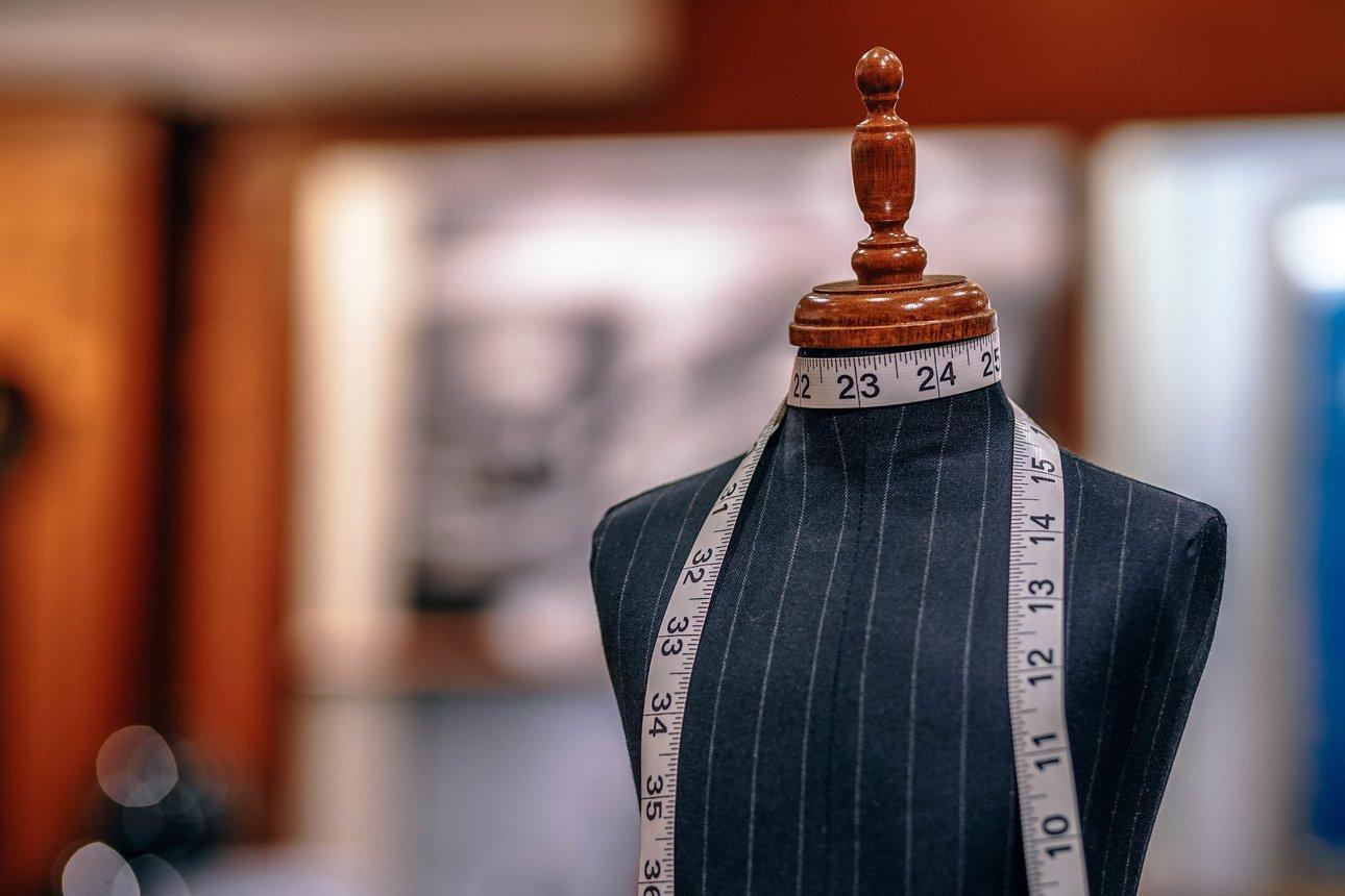 Come è possibile farsi fare un abito su misura online?